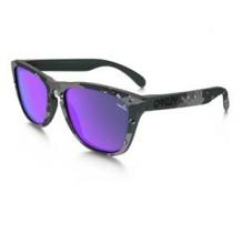 Oakley-Frogskins-Matte-Carbon-Camo-Violet-Iridium